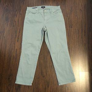 NYDJ Jeans Dayla wise cuff Capri Size 8